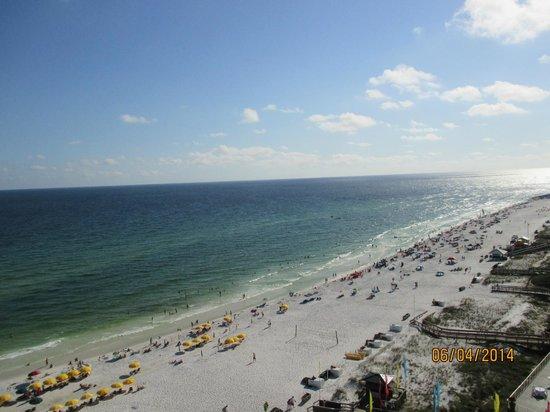 Hilton Sandestin Beach, Golf Resort & Spa: View of one side from balcony