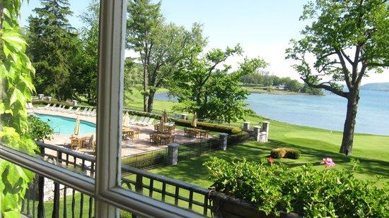 The Otesaga Resort Hotel: Bit of the pool and Lake