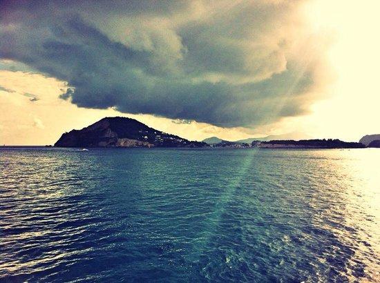 Casa Gerardo : In partenza da Pozzuoli... verso Ischia sempre il sole!