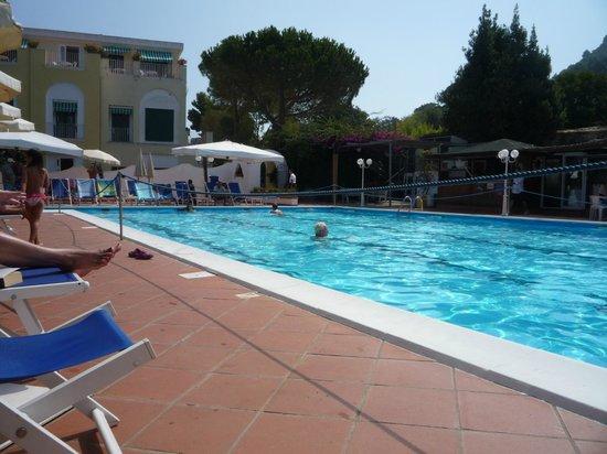 Hotel San Michele: CAPRI L'ISOLA DEI PROFUMI INTENSI. ANACAPRI, L'INIFINITA BELLEZZA
