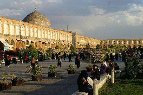 Naqshe Jahan Square(Shah Square): Moschea