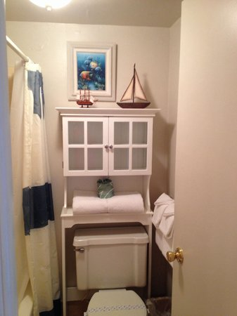 Sea Dip Beach Resort and Condominiums: Adorable bathroom 232
