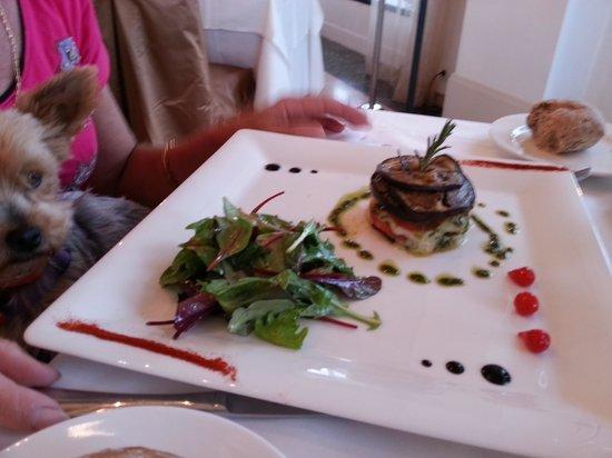 Hotel Le Delos : pour ma femme , un peu mieux !