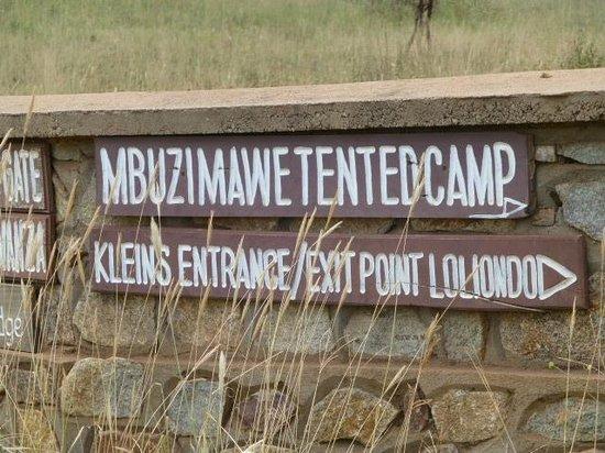 Mbuzi Mawe Serena Camp: Welcome sign