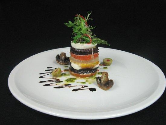 Henry VIII Restaurant, Sushi Bar and Pub: 2