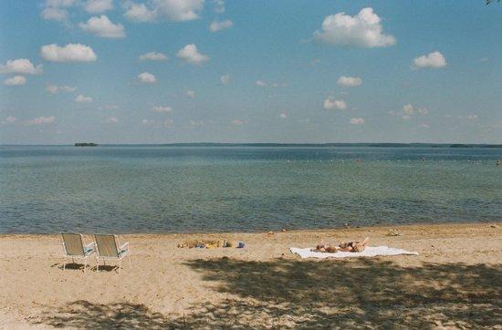 Ruokkeen Lomakyla : Kirkas Puruvesi ja hieno hiekkaranta