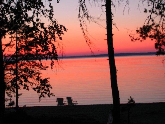 Ruokkeen Lomakyla : Puruvesi yöllä