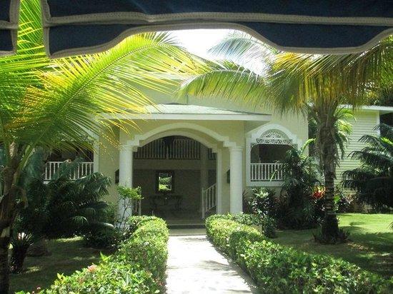 Luxury Bahia Principe Cayo Levantado Don Pablo Collection: Entrance to Villa