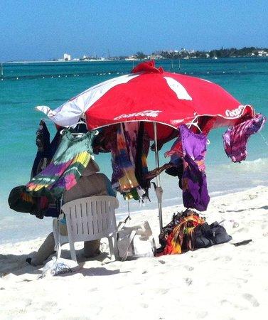 Breezes Resort & Spa Bahamas : cool vendor