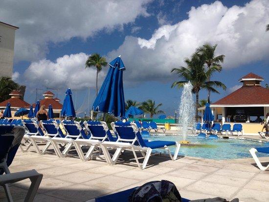Breezes Resort & Spa Bahamas : pool