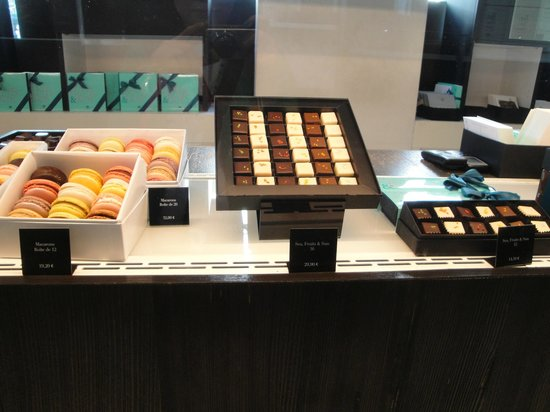 Pierre Marcolini : Chocolates and Macaroons