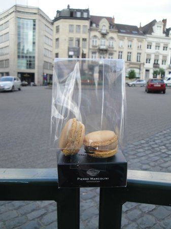 Pierre Marcolini : Salted Caramel Macaroons!