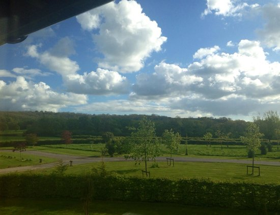 FitFarms : Dorset - Beautiful countryside view from my Room!