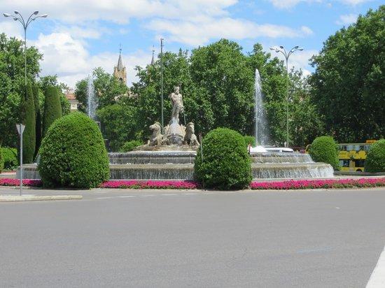 Paseo del Prado: The Neptune Fountain