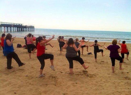 FitFarms : Dorset- Fabulous Ian teaching us Thai Chi on Bournemouth beach!