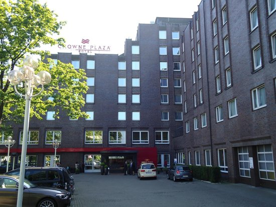 Crowne Plaza Hamburg - City Alster: Outside View of the Hotel