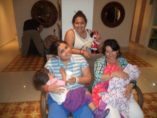 Hotel Blue Cove: EN EL LOBBY