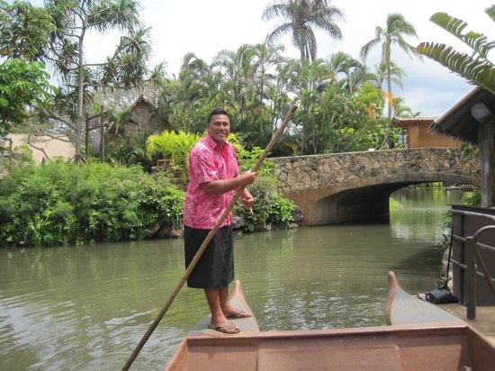 Polynesian Cultural Center: Canoe your