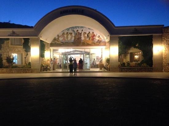Annabelle Beach Resort : front entrance