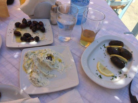 Roka Kafeneio Ouzeri : Mmmmmm