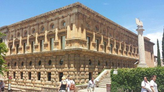 Palace of Carlos V : Außenansicht