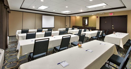 Holiday Inn Express Hotel & Suites The Woodlands: Classroom Style Meeting Room