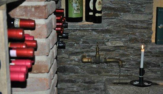Osteria Tre V: La Cantina dei vini dell'Osteria 3V