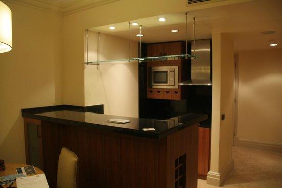 Grand Hyatt Istanbul: kitchenette