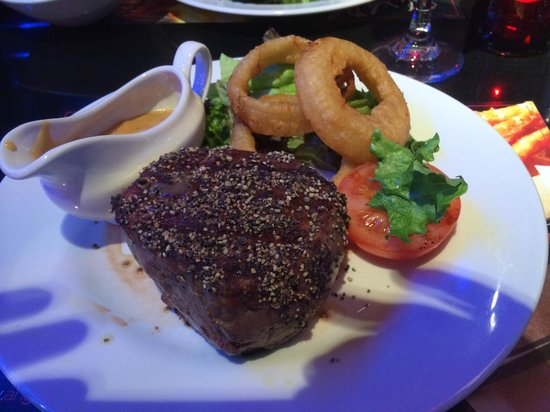 Angus Steakhouse: Peppered Fillets