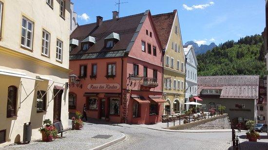 Altstadt von Fuessen: side street