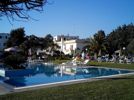 Hotel Corona: parco