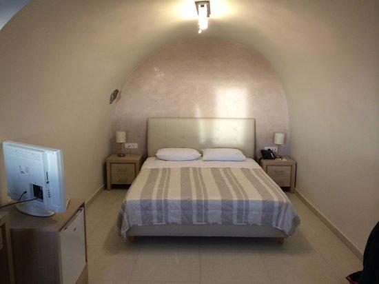 Petit Palace Suites Hotel: lit chambre grand lit