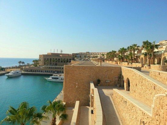 Citadel Azur Resort: Vue mer et hôtel.
