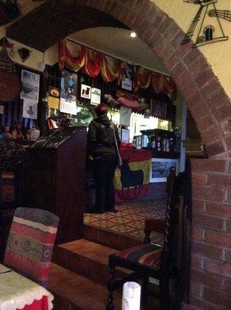 Tapas Spanish Restaurante: bar area