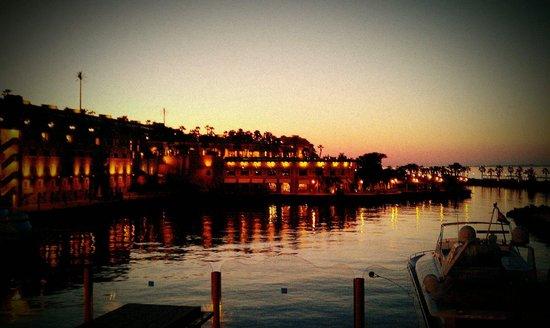 Citadel Azur Resort : Au crépuscule.