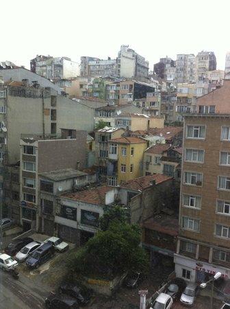 Crowne Plaza Istanbul - Harbiye: vue de la chambre