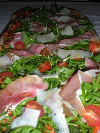 Via Veneto Ristorante Italiano: Pizza al metro
