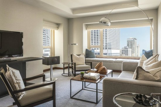 Park Hyatt Chicago: Gold Coast Suite Living Area