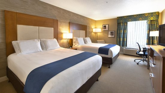 Holiday Inn Express Hotel & Suites Houston North-Spring: Standard Two Queen Room