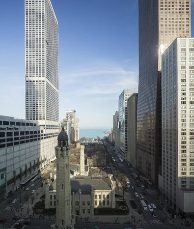 Park Hyatt Chicago: Water Tower Place & Lake Michigan View