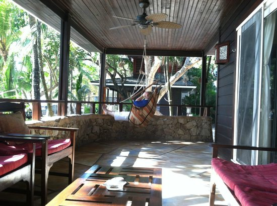 Bananarama Beach and Dive Resort : Our porch - villa #24