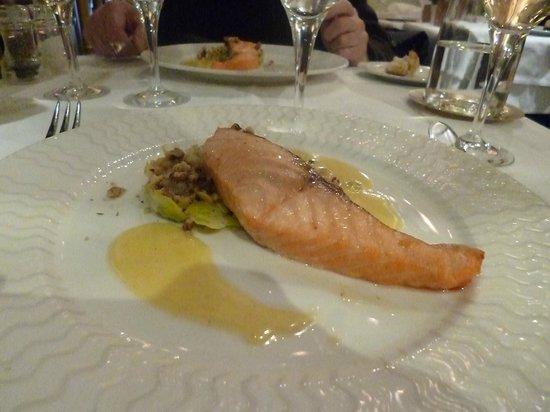 La Fermette Marbeuf: salmon on tasting menu