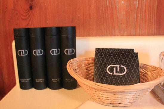Denali Crow's Nest Cabins: We stock each cabin with luxury soap, lotion, shampoo, and conditioner for your convenience.