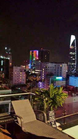 Grand Silverland Hotel & SPA : View from rooftop pool