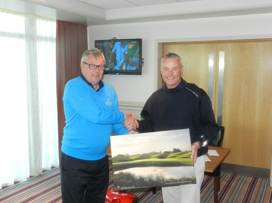 St Mellion International Resort: And The Winner is Bill Darlason with his prize a portrait of the 18th Green