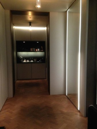 Hotel Cafe Royal: hallway and entrance (this room has private elevator to Spa level)