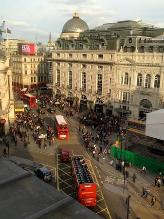 Cafe Royal Hotel: Piccadilly Circus and Lillywhites