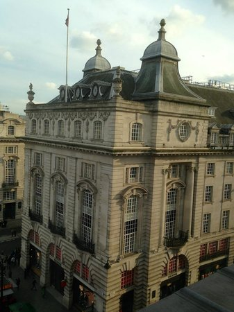 Hotel Cafe Royal: View opposite