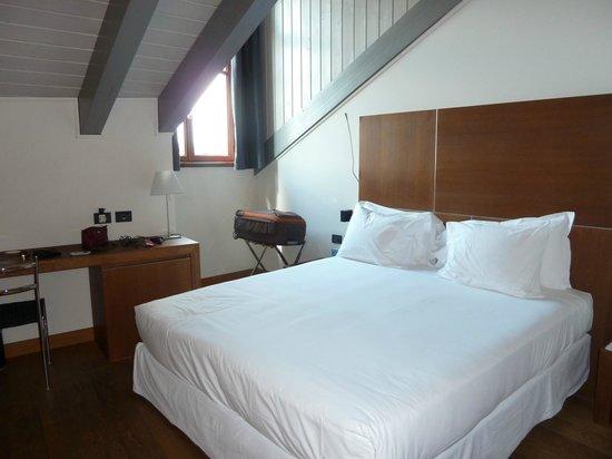 NH Torino Santo Stefano : superior room 506