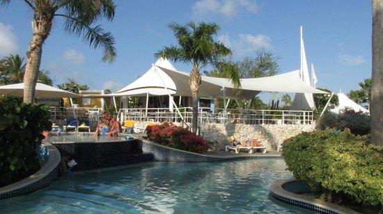 Chogogo Resort: area de pileta
